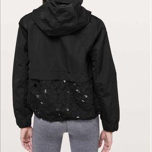 EUC lululemon graced with lace jacket Sz 10 black